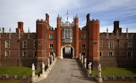 Hampton Court - Royal Attractions