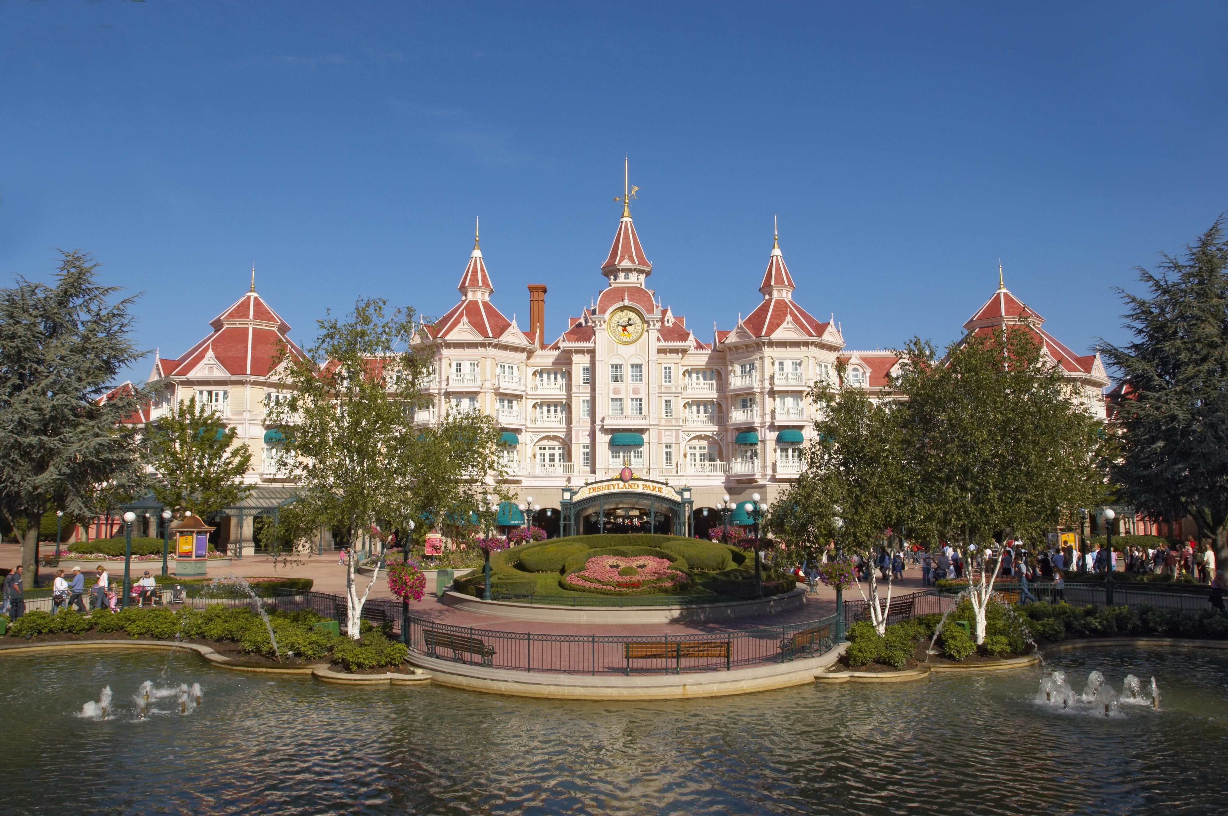 10 Reasons Why 1 Day At Disneyland Paris Isn U2019t Enough