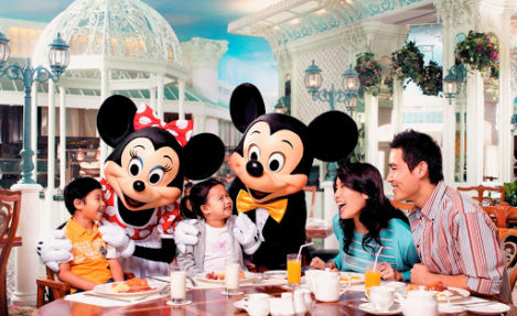 mickey's-cafe-at-disneyland-paris