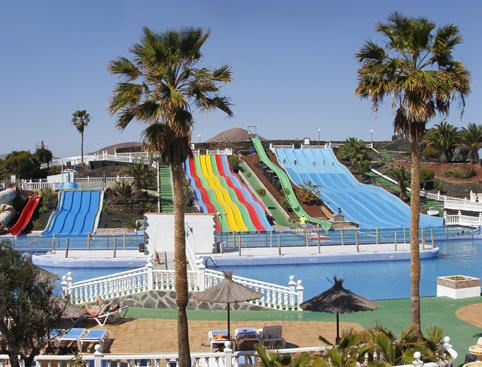 slides and palm trees aquapark lanzarote water park