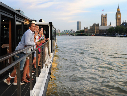 Bateaux London Classic Dinner Cruise