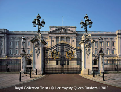 Buckingham Palace State Rooms Tour- Main Gates at Buckingham Palace