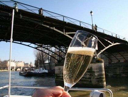 Champagne Cruise Paris