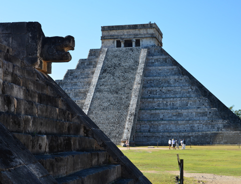 Chichen Itza by Mayaland