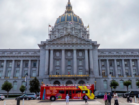 Double Decker All Loops Tour plus Alcatraz- City Hall