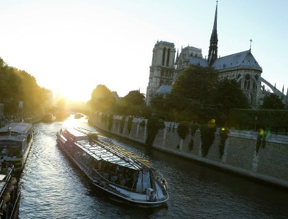 Paris Early Evening Dinner Cruise