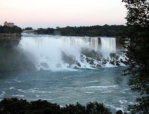 New York to Niagara Overnight