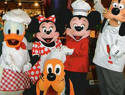VIP Limousine & Chef Mickey Dinner- Disney Characters At Chef Mickey