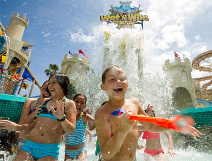 Wet 'n Wild Orlando- Blastaway Beach